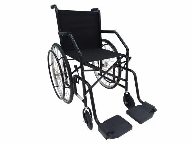 Cadeira de Rodas 101 - 85kg - Pneus Maciços - CDS